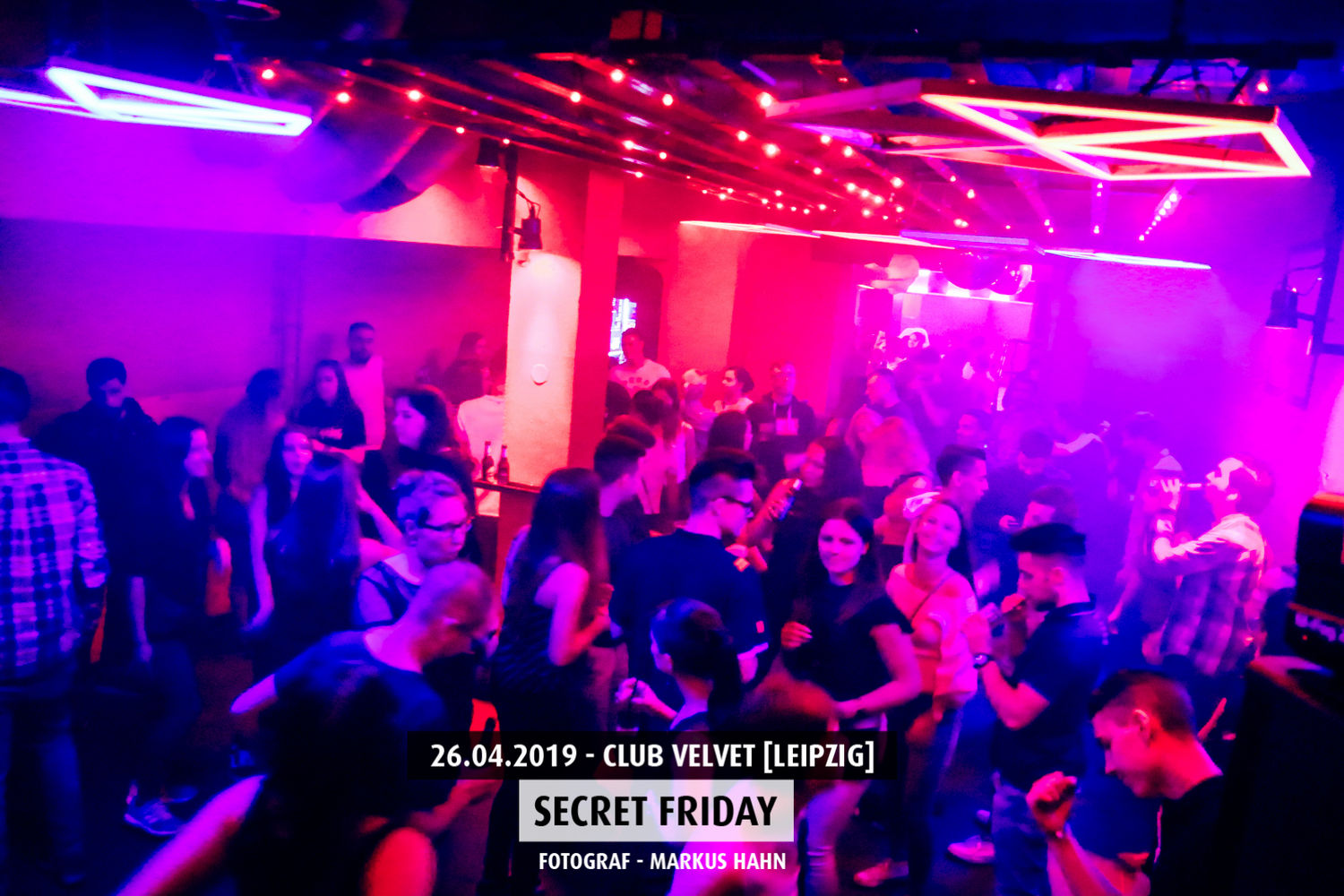 secret-firday-club-velvet (1)