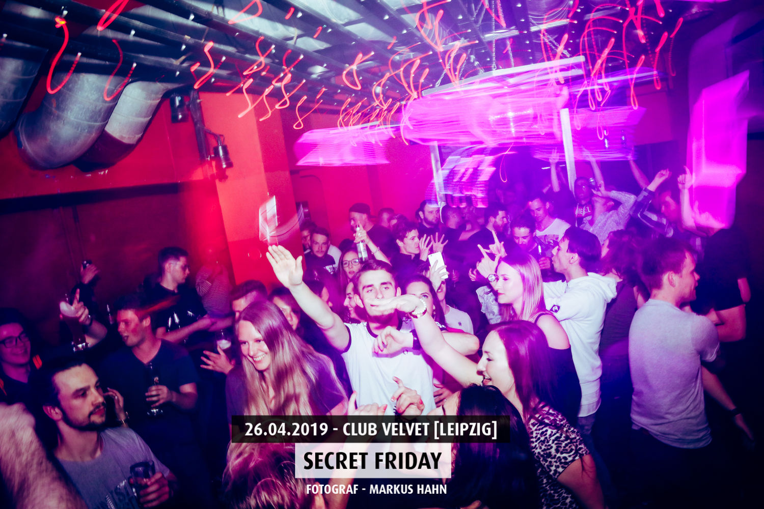 secret-firday-club-velvet-5